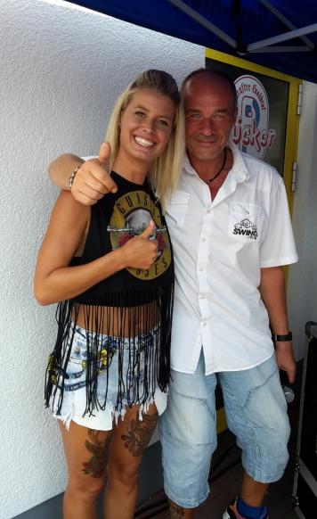 "DJ SWING-AK mit Pia Tillmann alias ""Meike"" aus Berlin Tag & Nacht und Köln 50667"